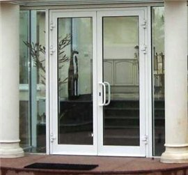 Алюминиевые двери – оригинальное решение для интерьера