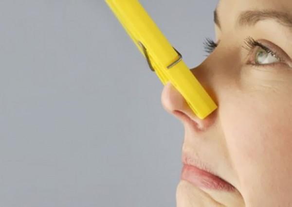 Как избавиться от запаха сырости в доме?