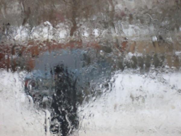 Почему окна запотевают и как это предотвратить?